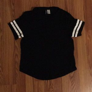 Divided H&M black t shirt w/2 white stripes SM